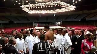 Ali ( Film in Italiano ) come mi chiamo io ? alla pesatura vs  terrell ( scena rissa )