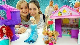 Le Storie Con La Principessa Rapunzel e Ariel nel Magico Castello Di Piccole Barbie ????