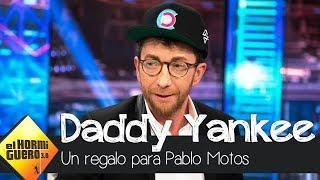 """El """"problema"""" de Pablo Motos con el regalo de Daddy Yankee - El Hormiguero 3.0"""