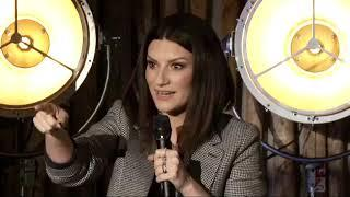Encuentro de Laura Pausini con los fans para presentar su nuevo disco Fatti Sentire Ancora