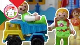 Playmobil film italiano Visita alla scuola materna - Famiglia Hauser - cartoni per bambini