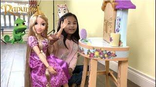 Princess Rapunzel Getting Party Ready with Maximus + Disney Princesses | Toys Academy