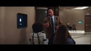 """SKYSCRAPER con Dwayne Johnson - Scena del film in italiano """"Papà chi ama?"""""""