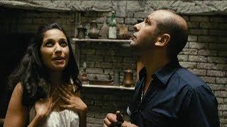 """""""Tu studi, vero? Non serve a un cazzo!"""". Checco Zalone e Nabiha Akkari - Che bella giornata (2011)."""