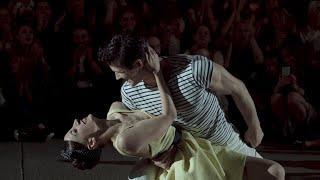 Milano, nella serata di danza irrompe Roberto Bolle: l'esibizione al ritmo di swing