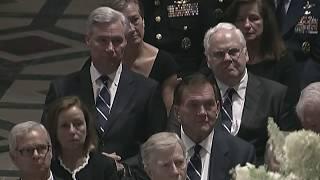 Washington, i funerali di John McCain nella National Cathedral
